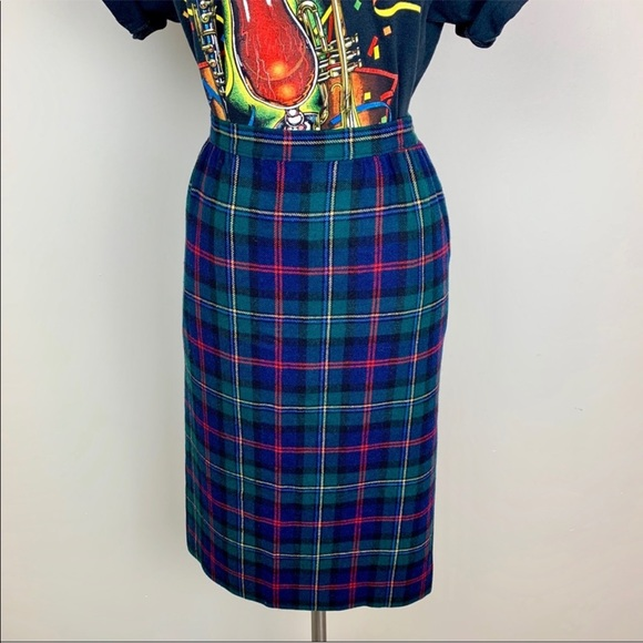 Pendleton Dresses & Skirts - VINTAGE Pendleton pencil plaid skirt